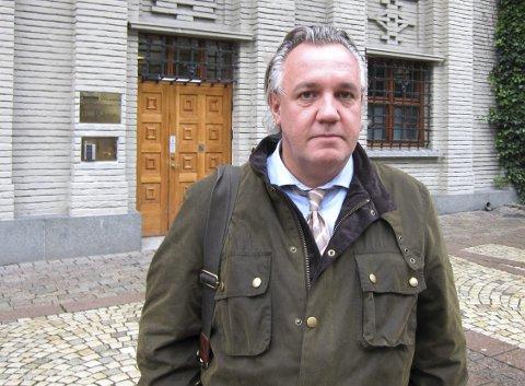 KRITISK: Advokat Kim Gerdts er kritisk til den rigide gjennomføringen av smittevernreglene på sykehjemmene. – Dette handler om frihetsberøvelse uten lov og hjemmel, sier han. FOTO: steFFEN OPHEIM