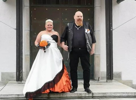 NYGIFTE: Ranveig og Terje Larsen gav kvarandre sitt «ja» på årets siste dag i Høyanger.