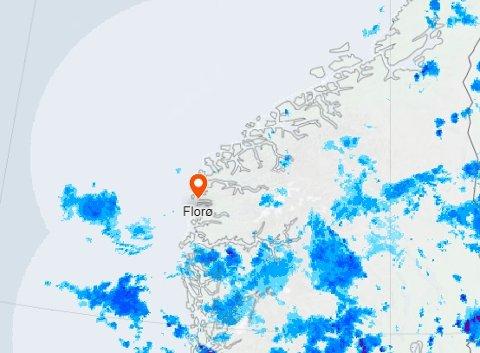 REGNBYGER: Regnbygene var ikkje langt unna måndag ettermiddag heller.