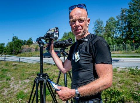 UÅ PÅ VEIENE: Ola Nøkleby Evensen liker svært dårlig at det varsles om kontroller på veiene. – Vi er ute på veiene av en grunn, sier han.