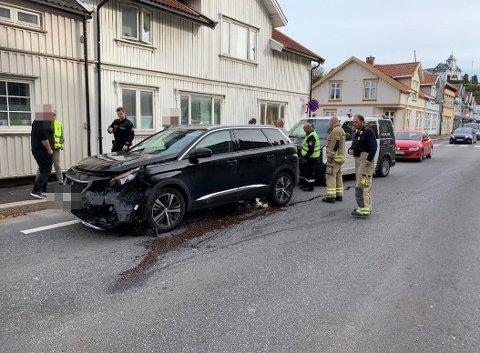 Tre personbiler er involvert i ulykken. (Alle bilder: Geir A. Carlsson)