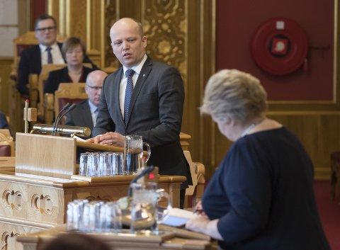 AVSTAND: Erna Solbergs frieri til Sp før neste års valg er taktisk.