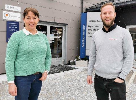 FRA NEDTUR TIL OPPTUR: Tove og Thomas Kristiansen hos Grua Auto fryktet det verste i fjor sommer. Nå ser de langt lysere på fremtiden.
