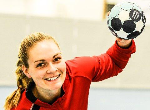 PÅ LANDSLAGET: Pernille Wang Skaug er tatt ut på det norske landslaget i beachhåndball.
