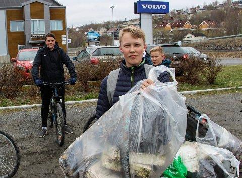 Aleksander Sandnes med en dryg skrotsekk