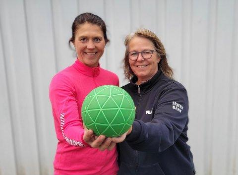 TRENERTEAM: Laila Hageberg Heggedal (t.v.) og Mari-Ann Christensen skal denne sesongen lede damelaget.