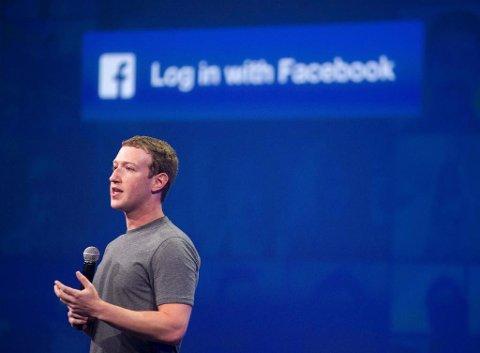 GODE TIDER: Mark Zuckerberg og Facebook tjente en milliard dollar forrige kvartal. Torsdag gikk akskjekursen opp med hele 15 prosent. Foto: Josh Edelson (Afp / NTB scanpix)