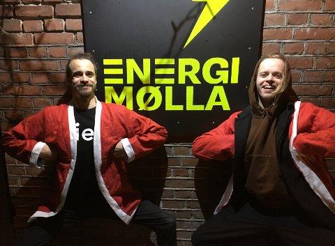 STARTSKUDDET FOR JULA: Viggo Venn og Martin Marki er klare for 1 time med humor på EnergiMølla. Ryktene sier at de blant annet skal parodiere Lps egen Cato Martinsen.
