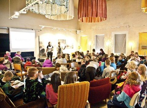 Reine ord: Onsdag var det «oppstartsmøte» for prosjektet der tredje- og niendeklassinger inviteres til å stille ut sitt favorittord i byen.