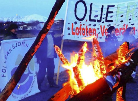 Vardebrenning: I regi av folkeaksjonen oljefritt LoVeSe, Naturvernforbundet og Natur og ungdom blir det vardebrenning i 22 land lørdag.