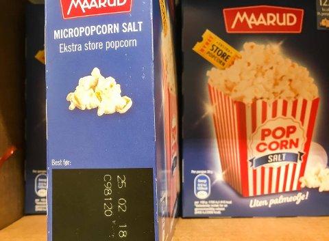 SKAL UT: Salt, smør og søtt micropopcorn skal ut av butikkhyllene, men fantes ennå i noen butikker i Tromsø sentrum.