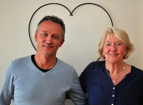 BE OM HJELP: Bernt Løvstad og hans mor Jorunn Løvstad på Raufoss har følgende råd til andre pårørende til demente: – Be om hjelp og ta imot den hjelpen du får.
