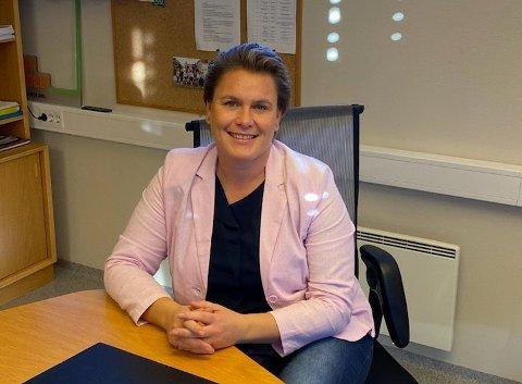 """Gleder seg: Ordfører Karoline Fjeldstad ser frem til å ringe rakstingene som har ønsket å bli kontaktet i forbindelse med """"Vårt Rakkestad""""."""