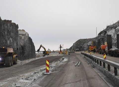 Åpnes: Fra torsdag vil det åpnes for trafikk på E6 Bergshøgda i to felt. Fortsatt vil det være anleggsarbeid i området i lang tid framover. FOTO: Asgeir Høimoen