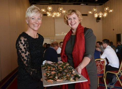 Lokalmat: Marte Krok i Bama (t.v.) og Mona Smestad i Scandic vil gjennom et nytt samarbeid servere mat av lokale råvarer på hoteller i Innlandet. FOTO: Asgeir Høimoen