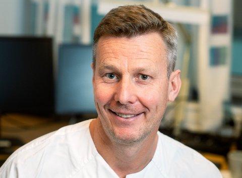Lars Heggelund. Lege og forsker ved Drammen Sykehus.