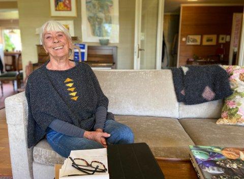 NYTT KAPITTEL: Ruth Aspen gleder seg til å starte som daglig leder i Filosofi kafeen. Hun håper på mange gode samtaler og diskusjoner, som omhandler livet.
