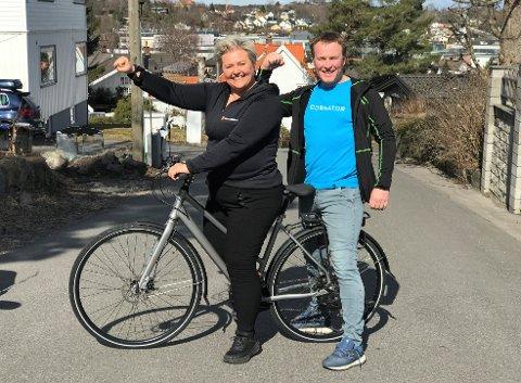GRATIS TRIM: Nå er det bare å hive seg på sykkelen og bli med. Pia Grøngaard og Jesper Madsen er klare.