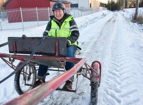 Ble lyttet til: Anne K. Lindeman (76) og hesten «Lillegutt» kan fortsatt bruke Vammalinna til turkjøring.