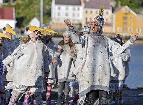 Nye roller: Operaen i Kristiansund trenger nye aktører til familiemusikalen Syver. Dette bildet er fra forestillingen i 2016.  Foto: Per Kr. 8Leikanger