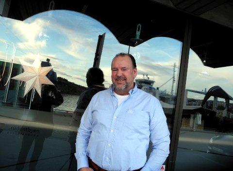 NY NÆRING: Steinar Ludvigsen har stilt seg i spissen i pionerarbeidet for at fangst og eksport av kråkeboller kan skape grunnlag for flere titalls arbeidsplasser lokalt.
