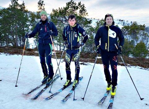 PALLEN: Robert Sørlie (til venstre), Erik Kårvatn og Halvor Drøpping var de tre deltakerne under klubbmesterskapet i vertikal i randonee onsdag kveld. Foto: Privat