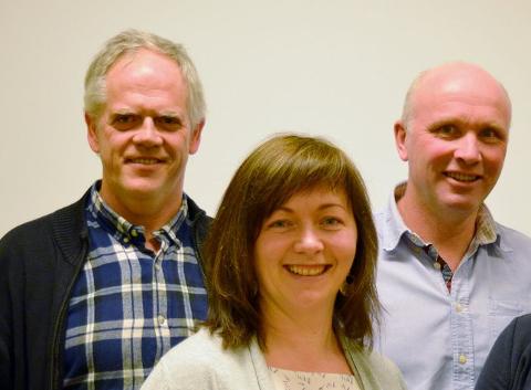 Knut Værland (t.v.) er her sammen med partikollegaene Kirsten Helen Myren og Ragnar Ettestøl. Arkivfoto