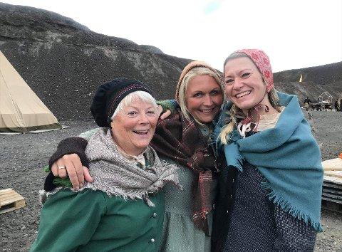 Gunn Haugland, Kari Margrethe Hamkoll Harding og Mette Langslet regnes, i lag med Kari og Turid, som røroskjærringer.