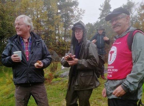 -Her er vi på Myrene sammen med Lars Alf Byholt, forklarer Juell.