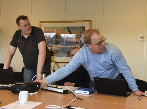 Mange: Personalkonsulent Dag Robertsen melder om mange søkere som vil overta jobben til Torben Marstrand (t.v.).