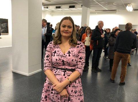 Strålende fornøyd: Cathrine Terese Persson var stresset etter åpningen, og hadde såvidt tid til å stå i ro for det var så mange arbeidsoppgaver å holde styr på: - Jeg er overveldet, sier hun.