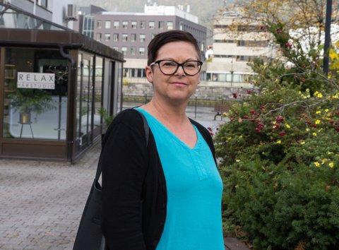 JULESTRIA: Familiar med dårleg økonomi bør få eit ekstra løft i jula, meiner Raudt Indre Sunnfjord. Rita Tonning (Raudt) vil føreslå eit ekstra tilskot på 2500 kroner i desember.