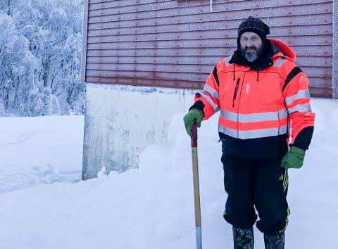 KONG VINTER RÅR: Jan Arve Midtbø og sambygdingane i Norddalsfjord opplever sjeldant langvarig kulde i desse dagar.