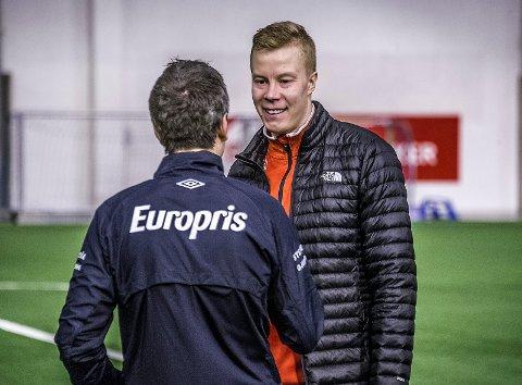 Her får Jarkko Lahdenmäki beskjed om at Andrea Loberto vil signere kontrakt. Det skjedde etter trening torsdag. Fredag ble det offisielt.