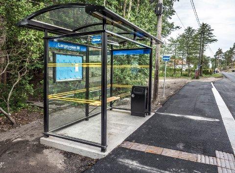 FORSEGGJORT: Den nye bussholdeplassen er fin og moderne, men vil bli brukt svært lite fremover. Kun skolebusser vil gå forbi.