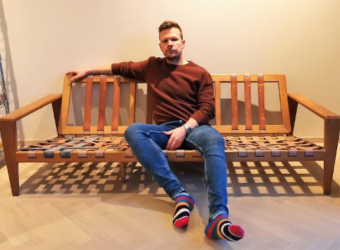 – Jeg kjøpte en stol og en sofa, og skulle også få trukket om to stoler med nye puter og få flettet om ryggen på sofaen. Da møblene først ankom var kvaliteten dårligere enn avtalt, sier Tor André Fjellstad.