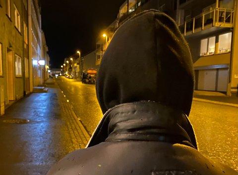 ANMELDT: En mindreårig jente fra Narvik skal ha blitt befølt av en mann i 40-årene forlitt over to uker siden. Saken er under etterforsking. Illustrasjonsfoto Foto: Jørn Indresand