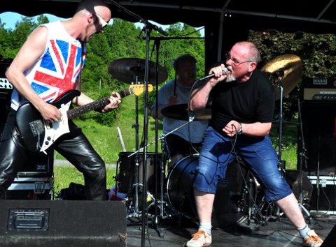 FENGSELSROCK: I 2012 spilte KAOS, med Terje Randem som vokalist, på rockefestival for de innsatte på Bastøy.