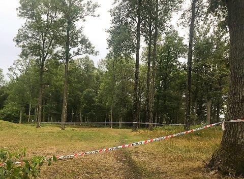 KYSTSTIEN: Dette er et av Hortens mest populære turområder. Sperringene ble satt opp på onsdag.