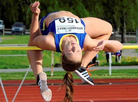 Karen Høystad fra LIF svingte seg over 1,60 i høyde på Stampa. Det er bare fem centimeter lavere enn personlig rekord og NM-kravet for senior.1,65