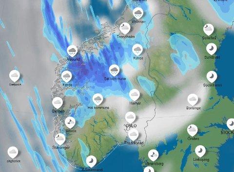 Et uvær siger inn fra nordvest og mandag morgen blåser det friskt til fjells. Bildet er  er fra YR basert på værradar - slik uværet forventes å være litt før klokken 09.00 mandag morgen.