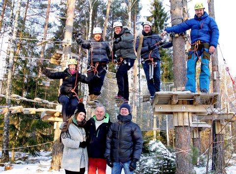 KLARE FOR BERLIN: Bedriftene fra Østfold er klare for å representere fylket og Norge under Grüne Woche fra 15-24 januar. Bak fra venstre: Randi Aune, Anne-Lene Bjerketvedt (Dyre Gård), Marit Vikingstad Udahl (Villa Mat og Mer), Lars Erik Ek (Ek Gårdskjøkken), Henrik Aune. Foran fra venstre: Karoline Navestad Olsen (Slippen), Joar Ek (Ek Gårdskjøkken) og Anders Melleby Fremmerlid (Innovasjon Norge).