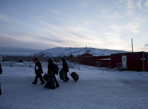 FÆRRE: Vestleiren, ankomstsenteret  for flyktninger i Kirkenes. Hit sendes flyktninger, som passerer den norsk-russiske grensen på Storskog, før de sendes videre til mottak andre steder i landet.  Foto: Cornelius Poppe / NTB scanpix