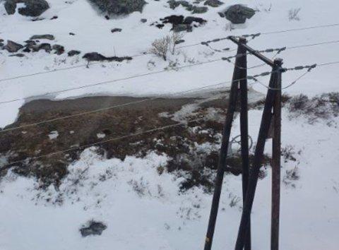 BEFARING FRA LUFTA: Varanger Kraft har utført linjebefaring fra lufta - denne gang med helikopter.