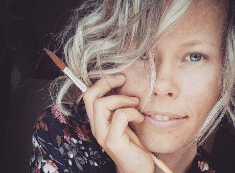 – Jeg er sjeleglad for oppveksten i Aurskog, sier Stefanie Søderstrøm, som har mange gode minner fra barndomsbygda.