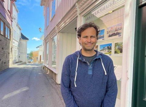 LETTERE ARBEIDSHVERDAG: David Løffler og kollegene ved Arkitekthuset Kragerø AS ser fram til at formalfeilen i kommuneplanen rettes opp.