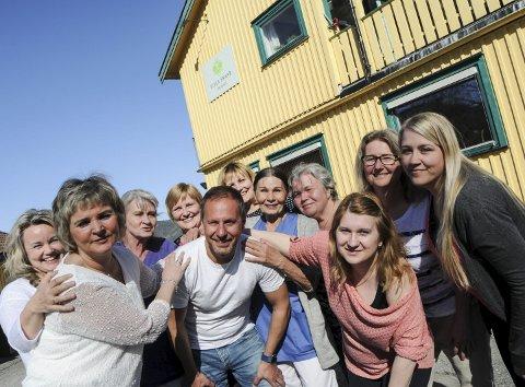 BLIDE VINNERE: Richard Skaar Thorsrud og ansatte ved Villa Skaar var både blide og stolte over nok en toppkåring fra Oslo kommune.