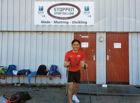 Nytt prosjekt: Stoppen SK starter nå opp et sosialt og aktivt tilbud for aldersgruppen 65+. Prosjektleder Thomas Bakken er klare for å ta frem nyinnkjøpte staver til gjengen.