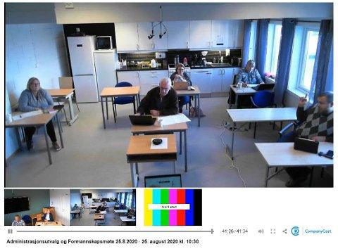 Skjermdump fra WEB TV med overføring av formannskapsmøte i Flakstad tirsdag 25. august.