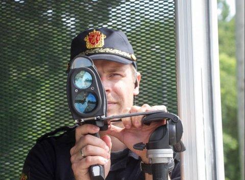 TRAFIKKONTROLL: Fredag formiddag har utrykningspolitiet foretatt fartskontroll ved E39.